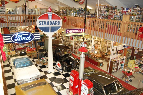 Dyersville, IA: Classic Cars highlight the center of the mall.