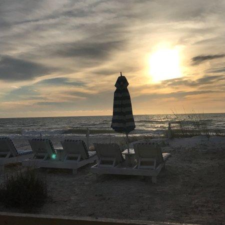Bungalow Beach Resort: photo0.jpg