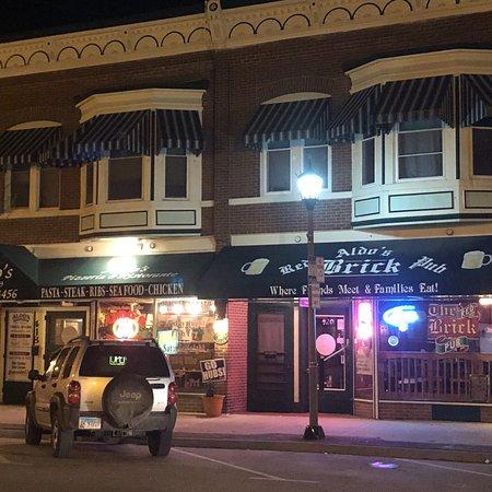 Rochelle, IL: Aldo's Pizzeria and Red Brick Pub