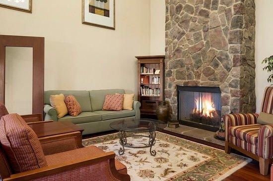 Country Inn & Suites by Radisson, Crestview, FL: Lobby