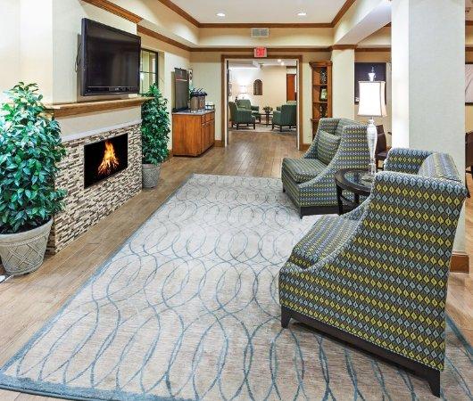 Country Inn & Suites by Radisson, Lubbock, TX: Lobby
