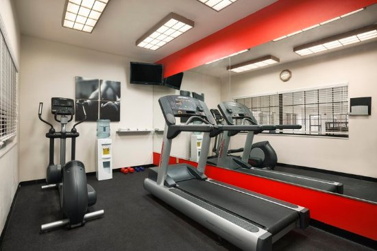Country Inn & Suites by Radisson, Lubbock, TX: Health club