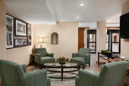 Country Inn & Suites by Radisson, Lubbock, TX: Lobby