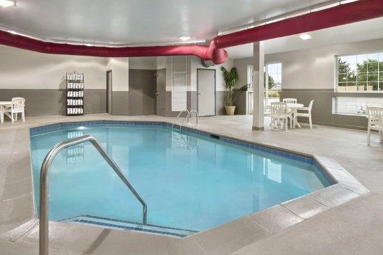 Manteno, IL: Pool