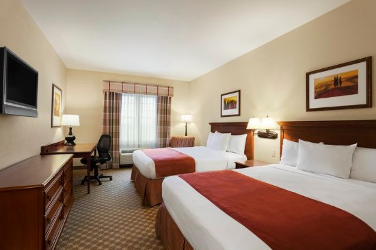 Country Inn & Suites by Radisson, Manchester Airport, NH: Guest room