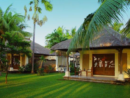 Пемарон, Индонезия: Deluxe Ocean Room at Puri Bagus Lovina