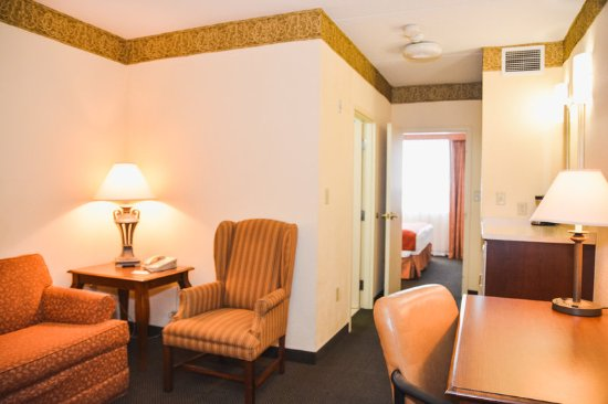 Country Inn & Suites by Radisson, London South, ON: Lobby