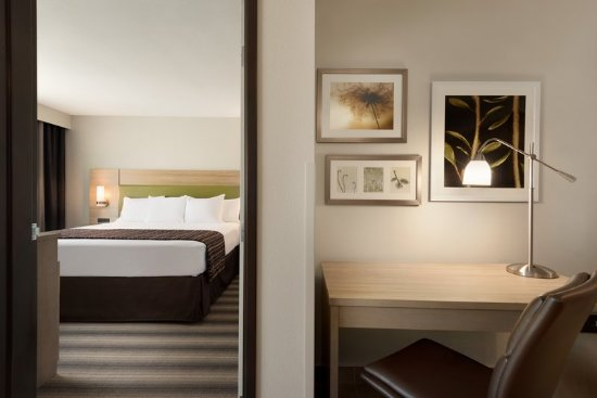 Country Inn Suites By Radisson Indianola Ia