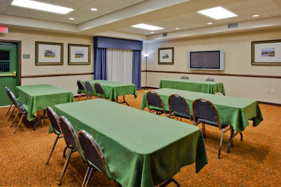 Country Inn & Suites by Radisson, Port Charlotte, FL: Meeting room