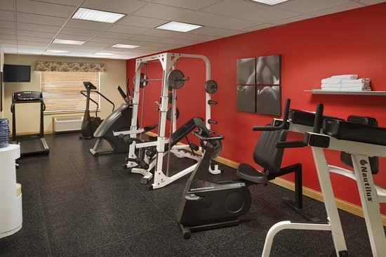 Country Inn & Suites by Radisson, Louisville East, KY: Health club