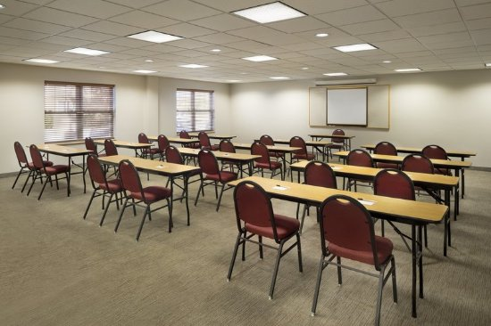 Country Inn & Suites by Radisson, Louisville East, KY: Meeting room