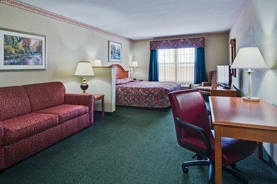 Stockton, IL: Guest room