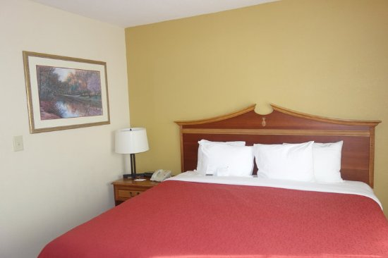 Country Inn Amp Suites By Radisson Newnan Ga 81 ̶9̶0̶