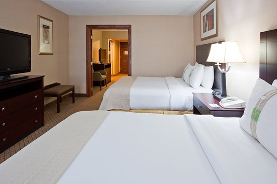 Holiday Inn Hotel & Suites Wausau-Rothschild: Suite