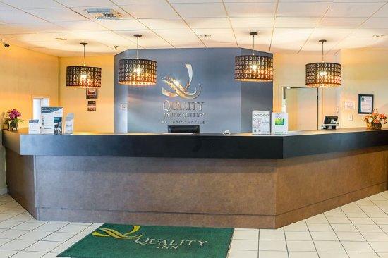 Dundee, FL: Lobby