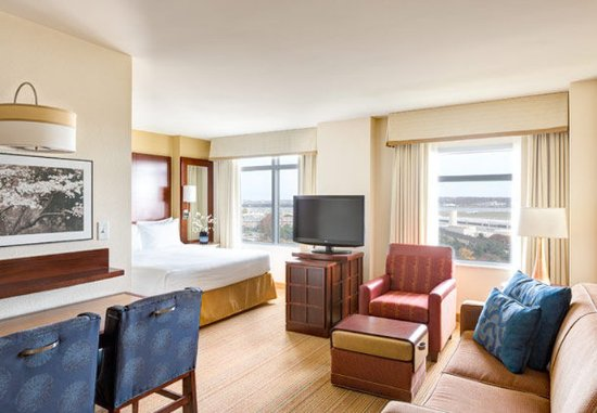 residence inn arlington capital view updated 2018 prices. Black Bedroom Furniture Sets. Home Design Ideas