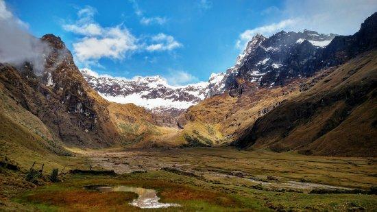 Riobamba, Ecuador: Foto del Valle Contemplando al Volcán El Altar