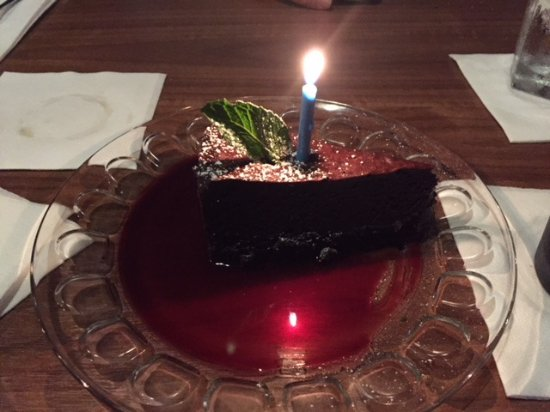 Melrose Grill : Chocolate torte with raspberry sauce