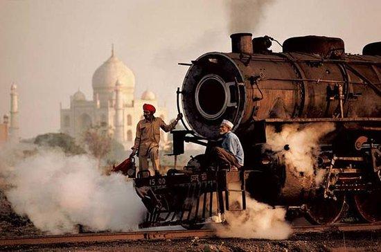 Shatabdi高速列車でタージマハルツアー