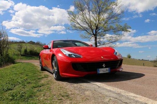 Ferrari GTC4 Lusso V12 -  Driving...