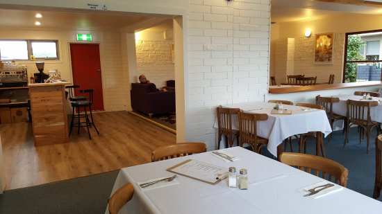 Anchor Wheel Motel: Refurbished dining room now open for Breakfast & Coffee.