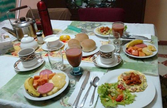 Znalezione obrazy dla zapytania casa particular breakfast