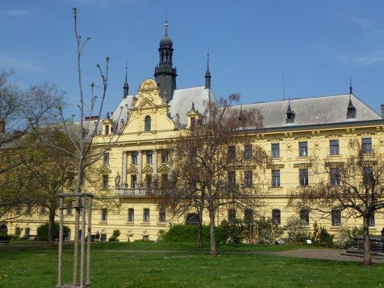 New Town Hall : Разные ракурсы