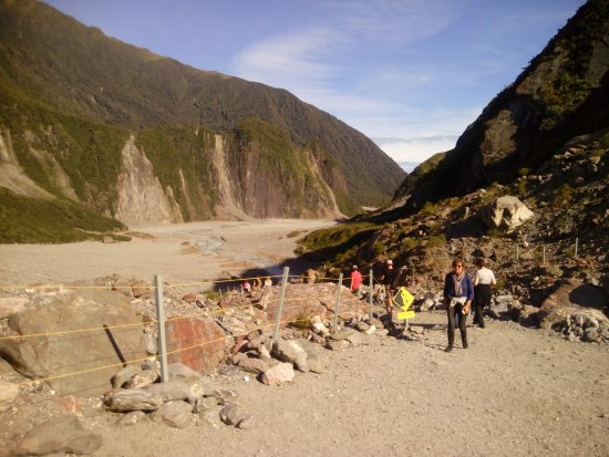 Fox Glacier Hiking Trails : Ascending to viewpoint