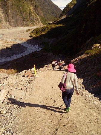 Fox Glacier Hiking Trails : Sharp descent