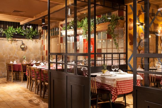 Sal n picture of casa fuster sabadell tripadvisor - Restaurant casa fuster ...