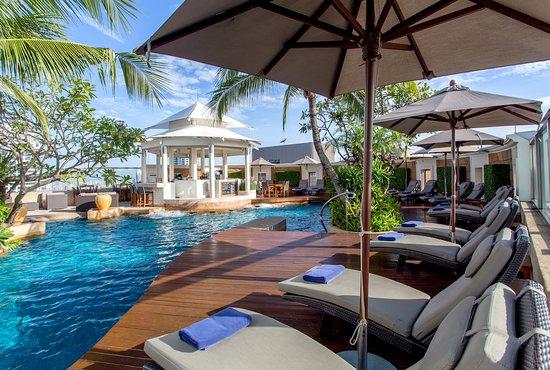 Oasis Swimming Pool - Picture of InterContinental Bangkok ...