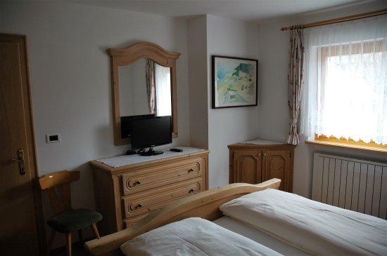 Camera da letto matrimoniale - Bild von Appartamenti Ciasa Primula ...