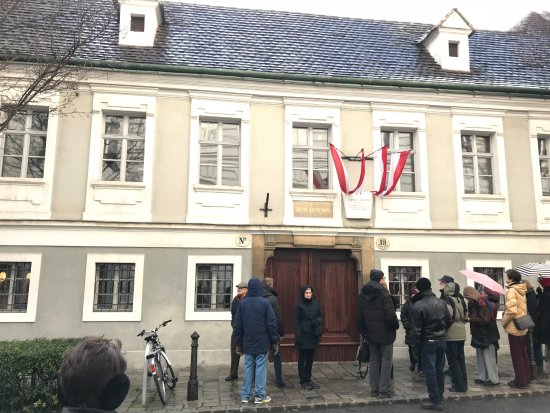 Haydnhaus: Entrance to Haydn's home