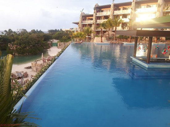 Infinity Pool - Picture of Hotel Xcaret Mexico, Playa del