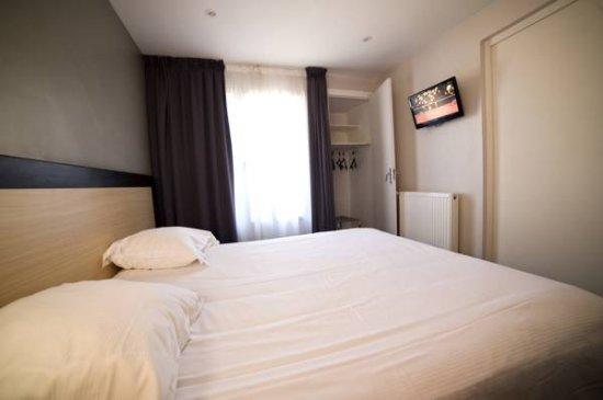 Review Convenient Stop Over Near Ferry Belazur Hotel Calais