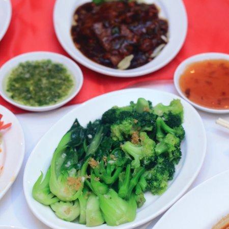 Trying some Chinesefood at Aryaduta Bandung!