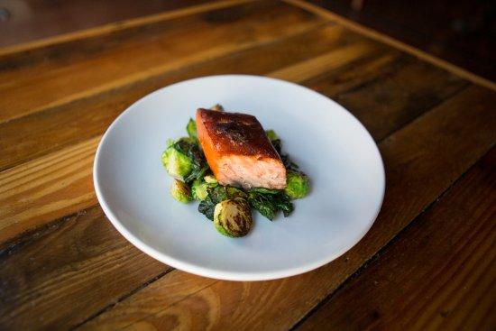 Port Jervis, نيويورك: Samaki Smoked Salmon at Fox N Hare