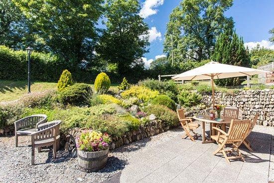 Gunnislake, UK: Lovely outside seating area