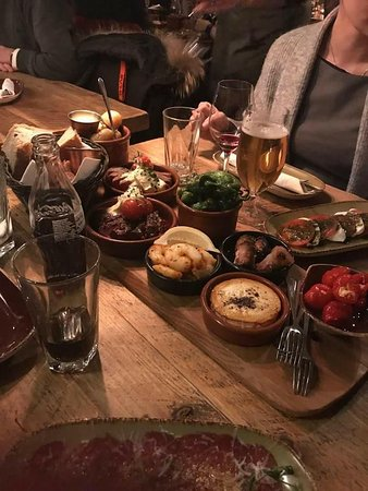 Anchas'bodega: Middag for 4