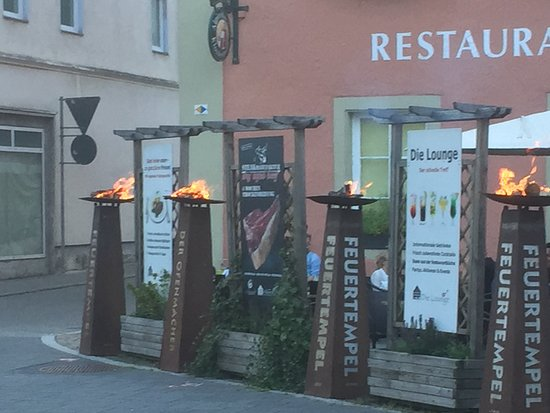 Oberndorf, ألمانيا: Grill Opening mit Feuertempel