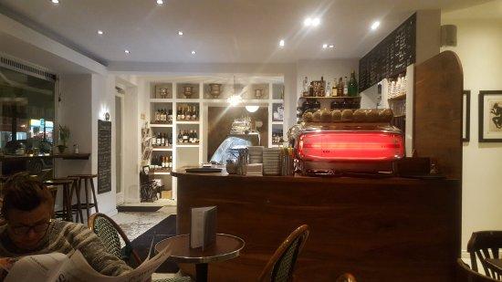 tresen mit espressomaschine picture of cafe delice hamburg tripadvisor. Black Bedroom Furniture Sets. Home Design Ideas