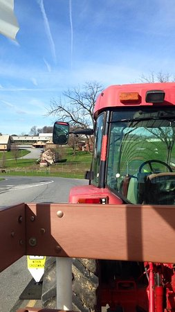 The Restaurant at Oregon Dairy : Tractor ride and tour