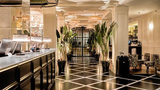 Hotel regina 94 1 0 6 updated 2018 prices for Hotel regina madrid opiniones