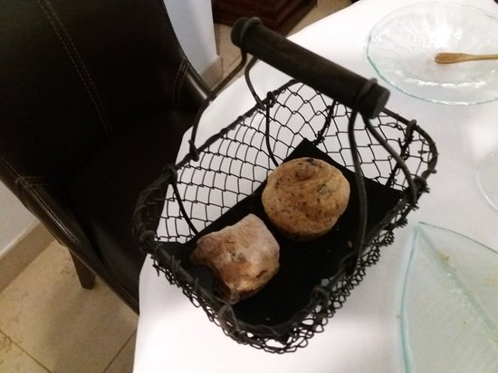 """Sainte-Anne-d'Auray, France: Petits pains """"maison"""""""