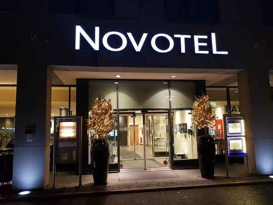 Novotel Berlin Mitte: Eingang