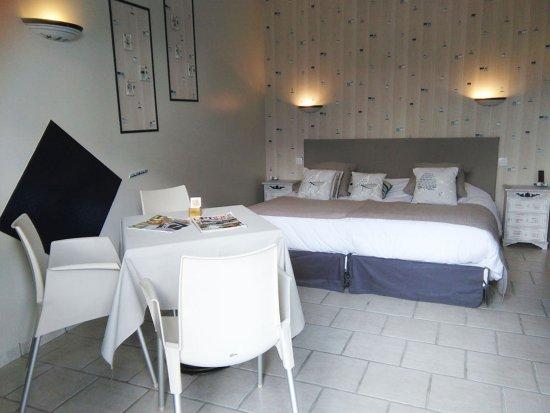 Chambre Bord De Mer Lits Jumeaux 2x90cm Ou Lit Double 180cm Picture Of Lx Hotel Vergne Tripadvisor