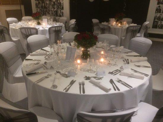 LE TROUBADOUR : table de mariage