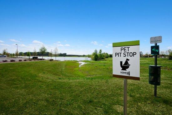 Home2 Suites by Hilton Huntsville / Research Park Area : Pet Walk