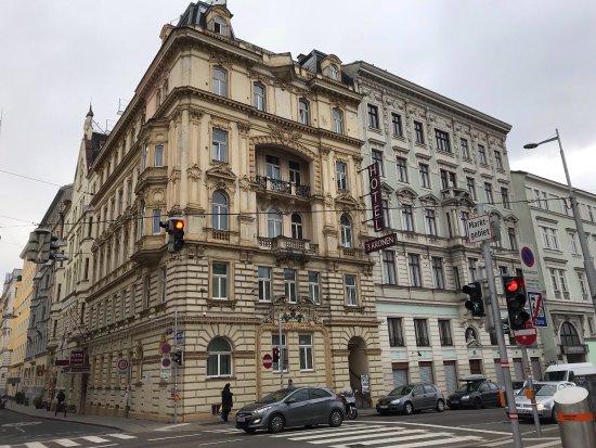 Premium room photo de hotel drei kronen vienne for Hotels vienne