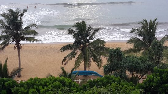 Turyaa Kalutara: Beach from room 504